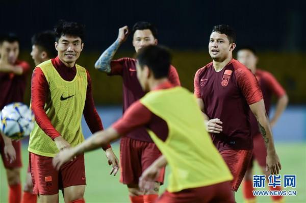 足球世预赛:中国队在菲律宾进行赛前训练