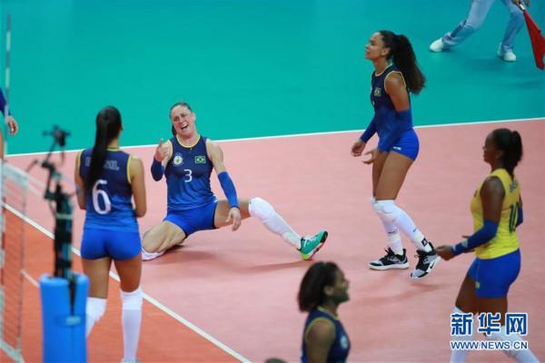 军运会女排小组赛:中国队胜巴西队