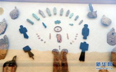 (���H)(2)埃及�l掘出一�古王���r期墓地