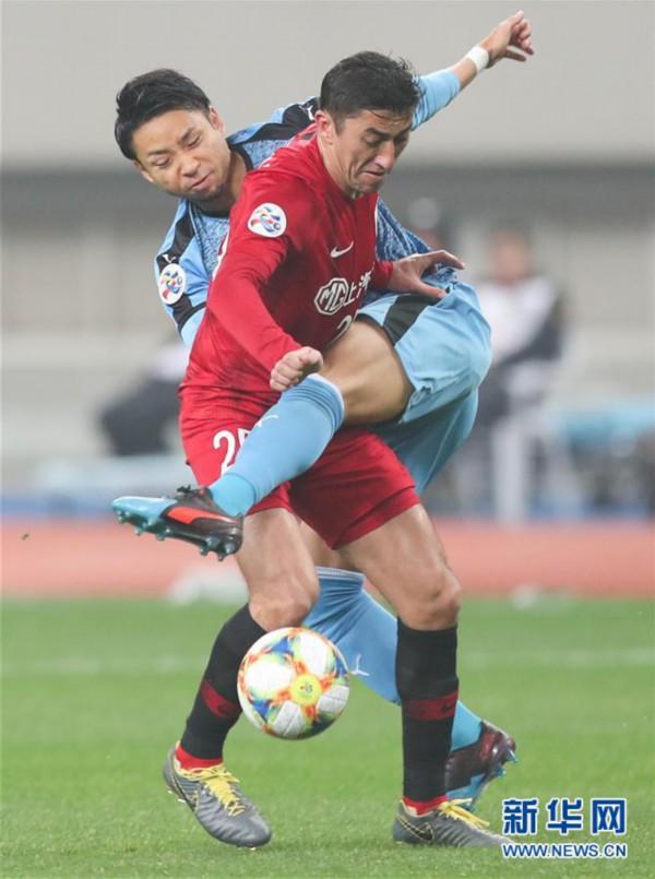 (体育)(4)足球——亚冠:上海上港胜川崎前锋