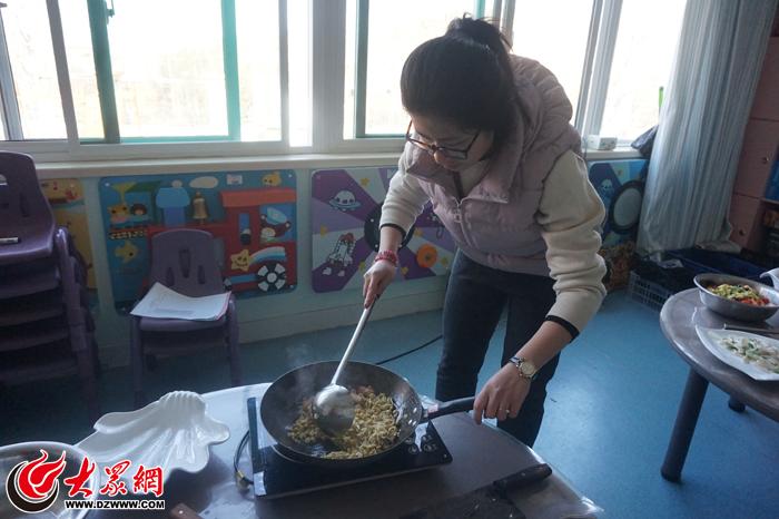 锦屏幼儿园举办三八妇女节厨艺大赛