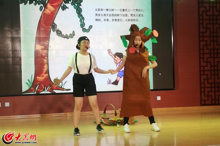 内江小学展演第一届英语节英语课本剧举行v小学杨浦区景山小学图片